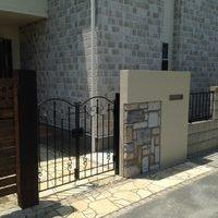 石張りの門のサムネイル